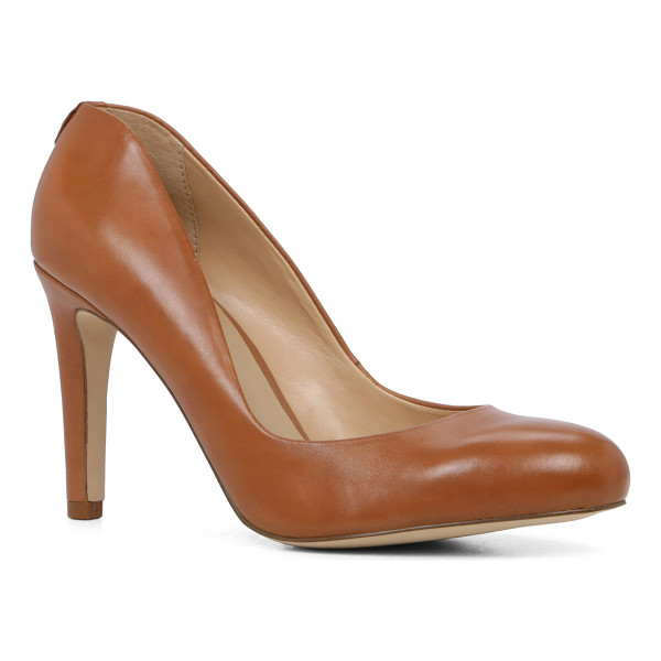 ALDO Aliliwien - The classic pump updated with a dipped toe-coverage and...