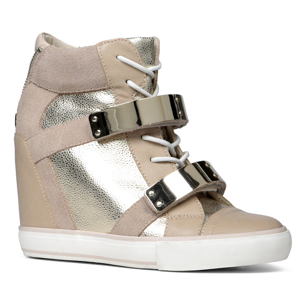 ALDO Haerani flats - Show off that street style of yours in these edgy wedge...