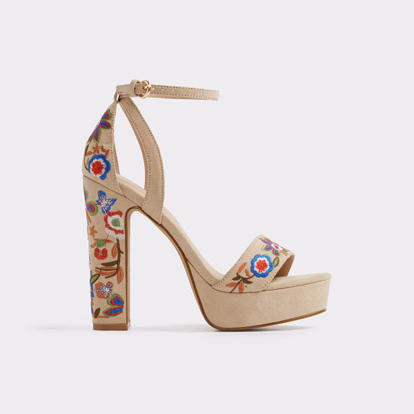 ALDO Laumea - Exude free-spirit style in these stunning '70s-inspired...
