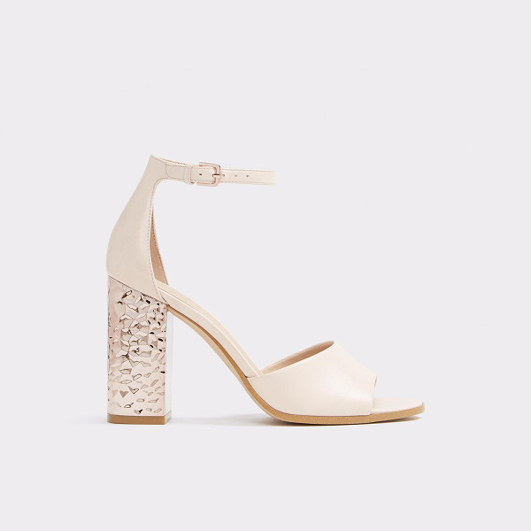 ALDO Nilia - A classic mid-height sandal dresses up with a hammered