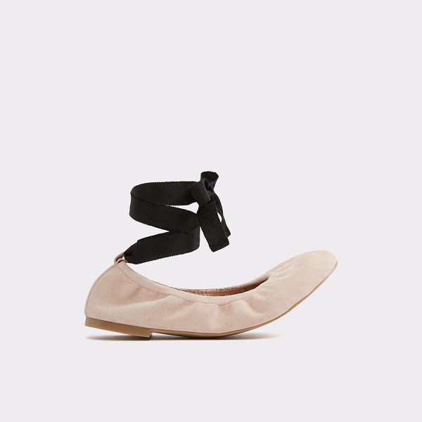 ALDO Phay - Take the stage in this perfect stretch leather ballet flat,...