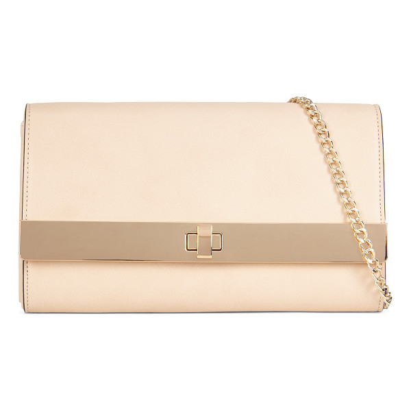 ALDO Pirjo clutch - Add a simple dose of elegance to your day. With a...