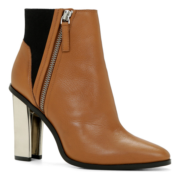 ALDO Saresen boots - The modern fashionista will simply love these sleek ankle...