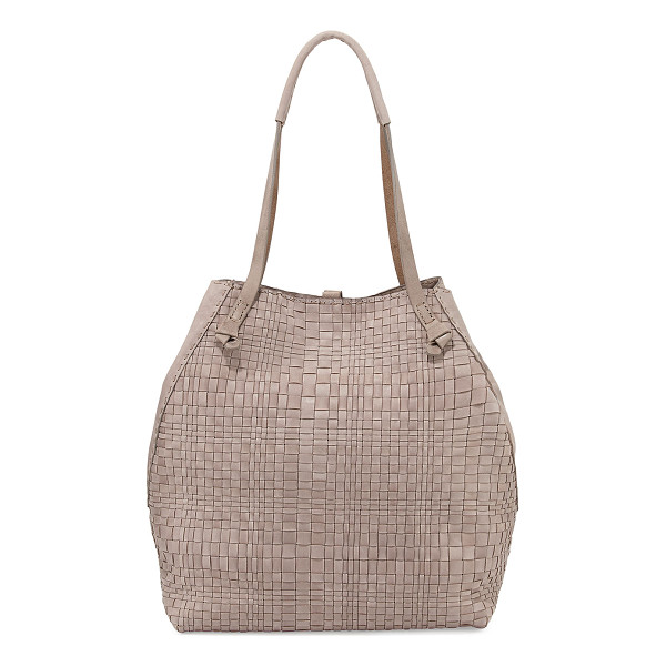 HENRY BEGUELIN Woven double-handle tote bag - Henry Beguelin woven leather tote bag. Thin knotted...