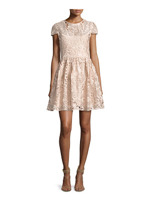 ALICE + OLIVIA Gracia Cap-Sleeve Lace Cocktail Dress