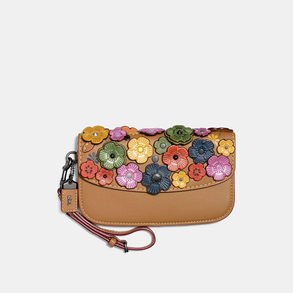 COACH clutch with small tea rose - A wristlet and clutch in one, this portable style is...