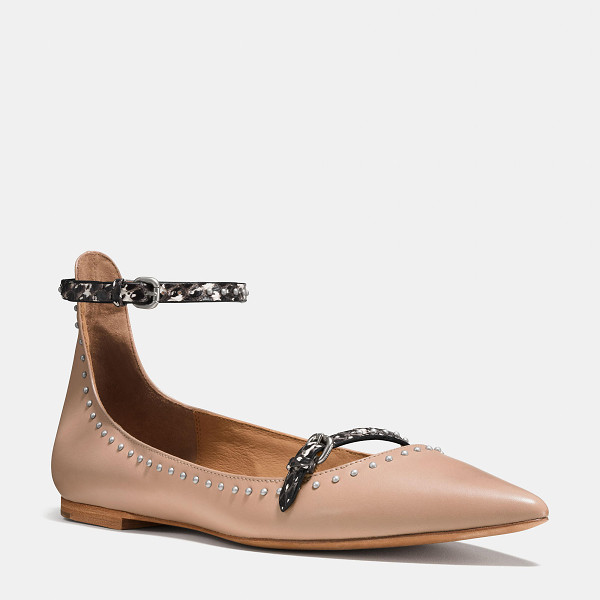 COACH jody flat - Just the flat to pair with jeans or casual dresses, this...