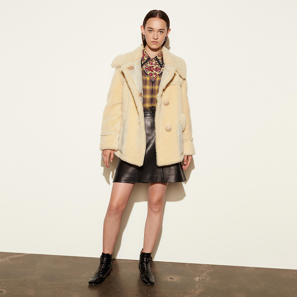 COACH short shearling coat with printed lining - Specially crafted to be lighter in weight and suitable for...
