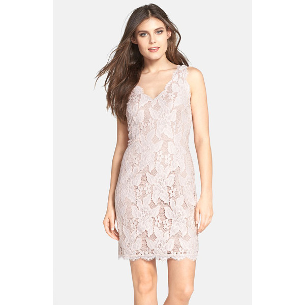 ADRIANNA PAPELL sleeveless lace cocktail dress - Double V-necklines set an alluring tone for a curve-hugging...