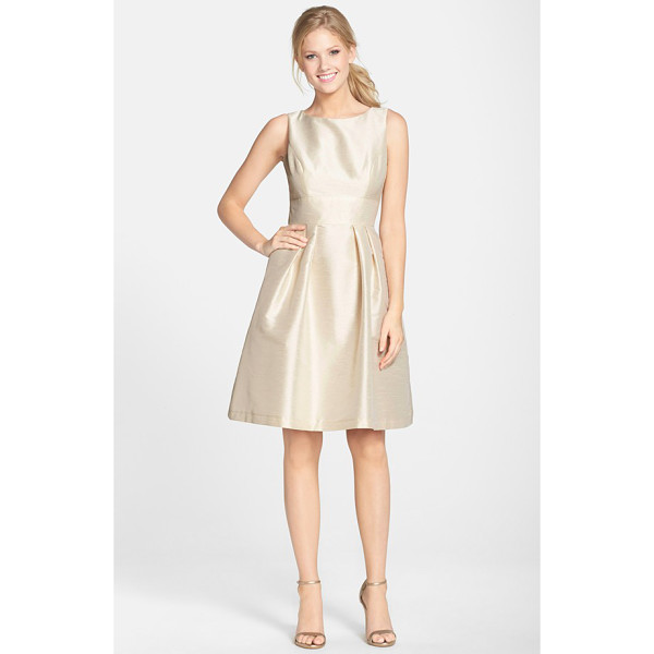 ALFRED SUNG dupioni fit & flare dress - Creating a timeless and universally flattering silhouette,...