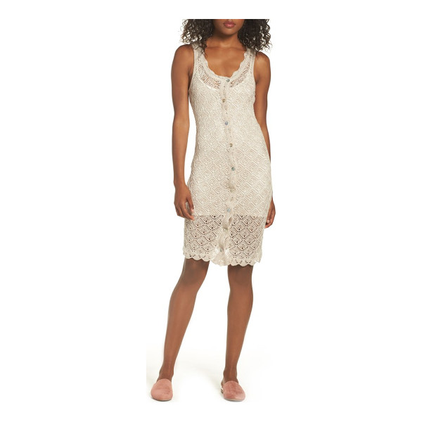 ALI & JAY picnic by the lagoon lace dress - Take it easy on the weekends in this crocheted sheath dress...