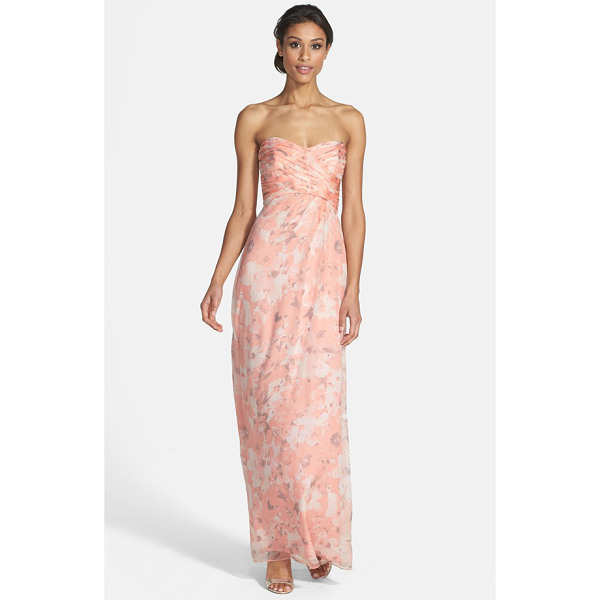 AMSALE amore floral print silk chiffon gown - Artful ruching crisscrosses the strapless,...