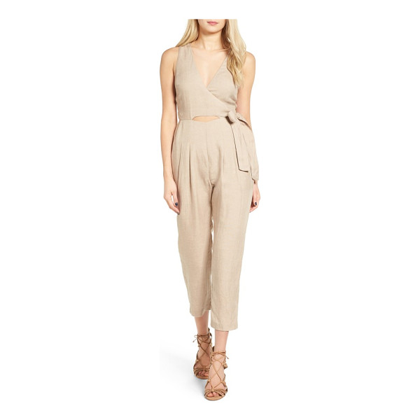 ASTR THE LABEL collette crop jumpsuit - Modern and sassy with skin-flaunting keyholes in front and...