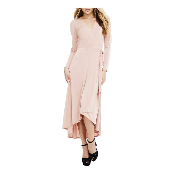 ASTR THE LABEL melonie wrap dress - It's hard to go wrong with the always-flattering wrap...
