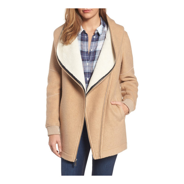 BCBGENERATION asymmetrical hooded wool blend coat - Softly brushed woolen fabric paired with a plush faux fur...