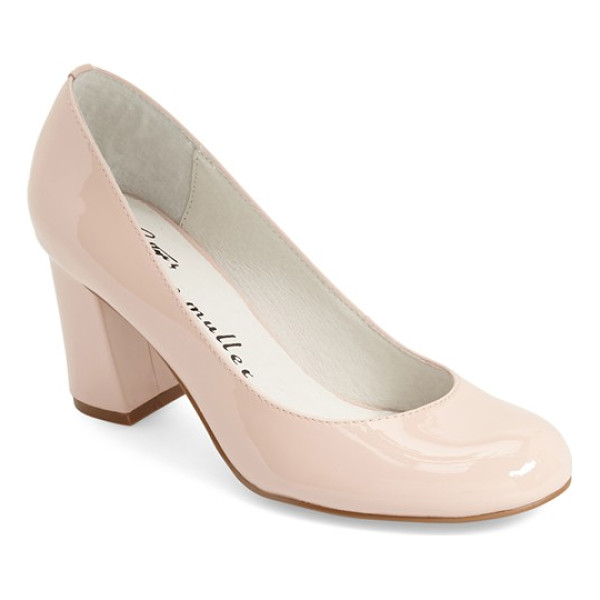 BETTYE BY BETTYE MULLER 'colette' pump - A chunky covered heel and a rounded toe look fresh and
