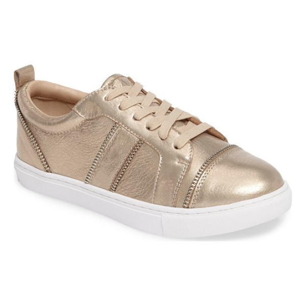 BOTKIER harvey sneaker - Shiny zipper detailing edges the contours of a...