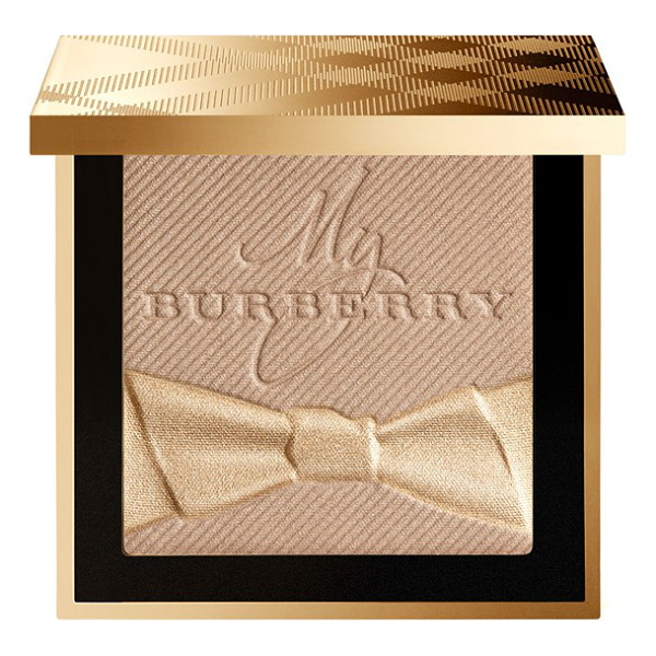 BURBERRY BEAUTY festive powder - What it is: Playful shimmer dust that can be applied to