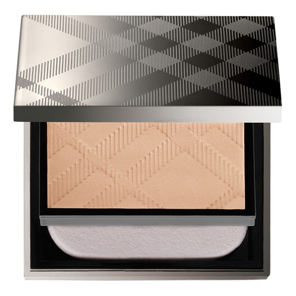 BURBERRY BEAUTY 'fresh glow' compact foundation - Discover a luminous, dewy-looking complexion with Fresh