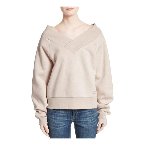 BURBERRY falacho v-neck sweatshirt - At once sporty and sculptural in nature, this decadently...