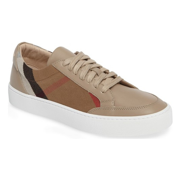 BURBERRY salmond sneaker - Bold Burberry checks provide a sophisticated update to a...