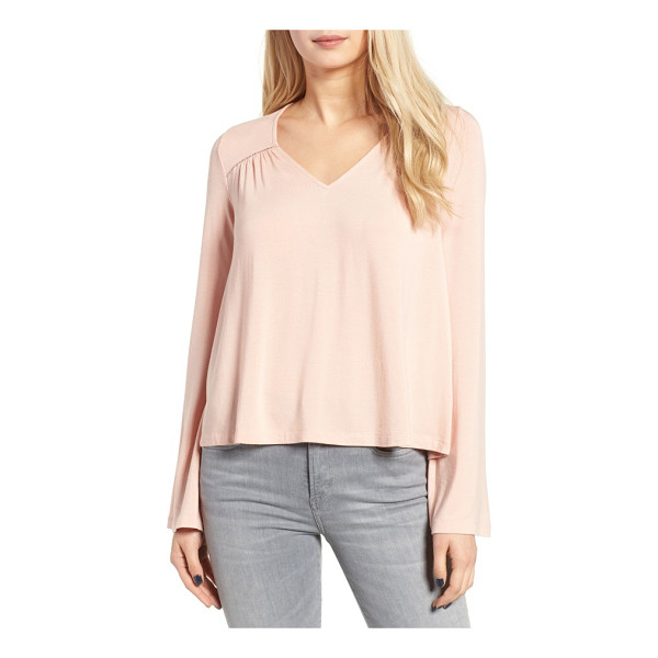CHLOE & KATIE bell sleeve top - Sweet and simple from the front, this supersoft bell-sleeve...