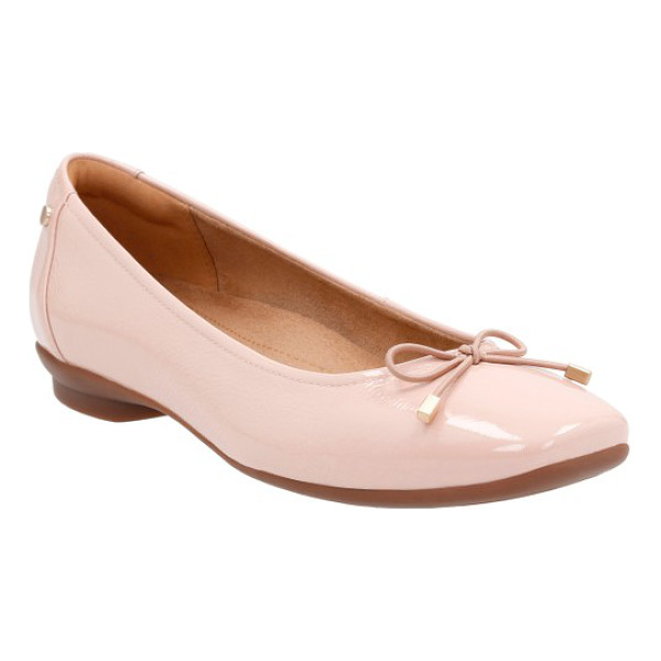 CLARKS clarks 'candra light' flat - A dainty bow adds a feminine flourish to a lithe flat...