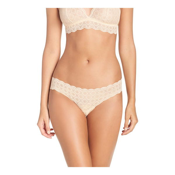 COSABELLA 'sweet treats' thong - Stretchy medallion-motif lace grants a soft, subtle fit to...