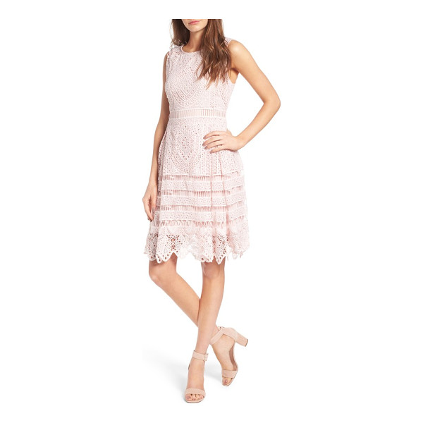 CUPCAKES AND CASHMERE summers sheath dress - Look ladylike and polished in no time with this summery...