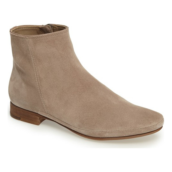 DOLCE VITA taj flat bootie - Both on-trend and timeless, this essential soft suede...
