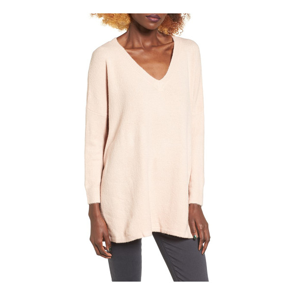 DREAMERS BY DEBUT v-neck tunic - Dropped shoulders and oversized proportions enhance the...