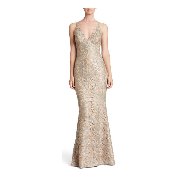 DRESS THE POPULATION karen mermaid gown - Equal parts sultry and romantic, this figure-flaunting gown...
