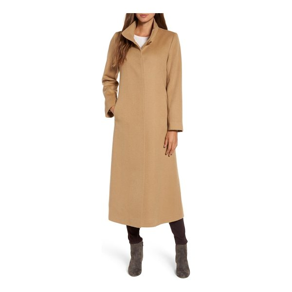 FLEURETTE cashmere long coat - The warm luxury of a full-length cashmere overcoat with a...