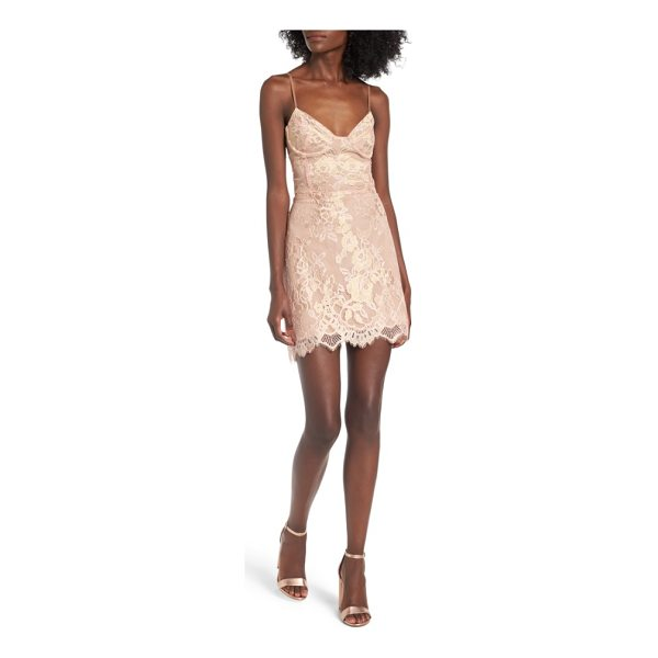FOR LOVE & LEMONS bumble slipdress - Floral jacquard and a scalloped hem make a sophisticated...