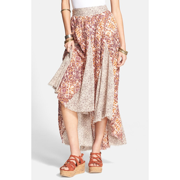 FREE PEOPLE 'show you off' maxi skirt - Clean pleats accentuate the dual-print design of a maxi...