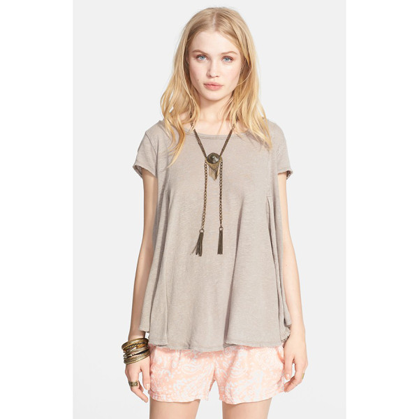 FREE PEOPLE sylvie slub tee - A slub-knit tee flows freely, thanks to darts in all the...