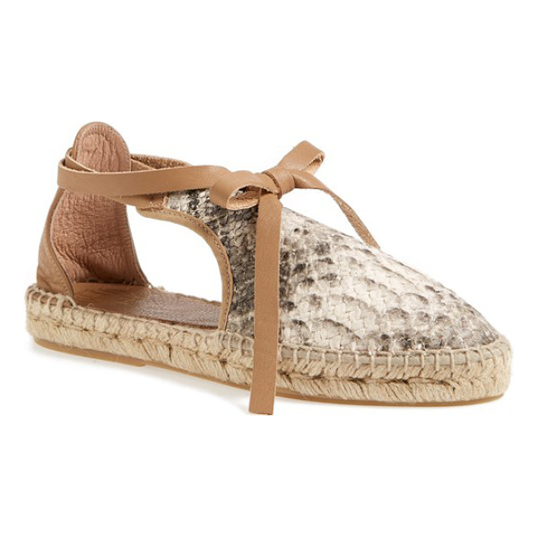 HOUSE OF HARLOW 1960 1960 carolyne espadrille flat - A leather wraparound lace and breezy side cutouts further...