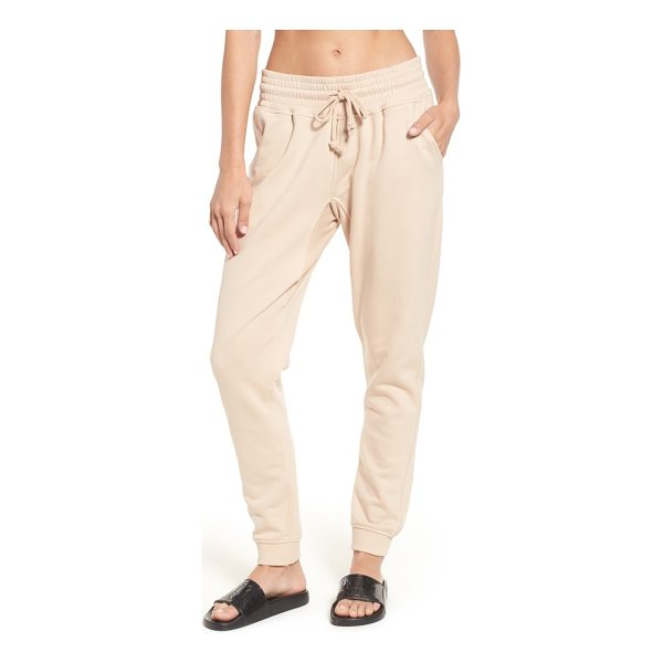 IVY PARK oversize washed jersey jogger sweatpants - In a fashion-forward shade of pale pink, these comfortable...