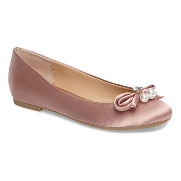 JEWEL BADGLEY MISCHKA adeline bow flat - Imitation pearls and a twinkly crystal crown the rounded,...