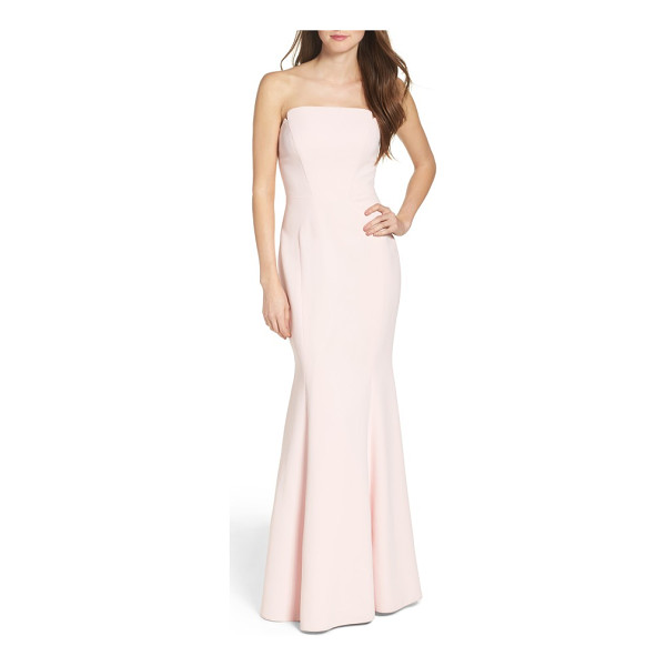 JILL JILL STUART notched strapless gown - The classic trumpet gown gets a modern update with a...