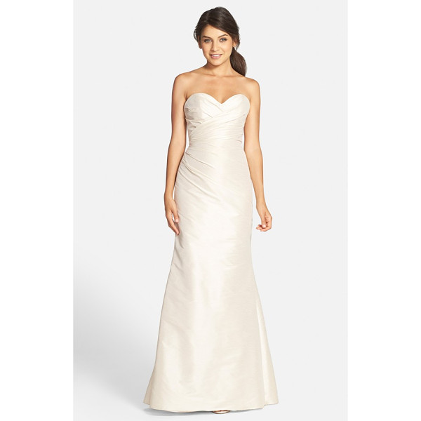 JIM HJELM OCCASIONS hayley paige occasions strapless dupioni sweetheart trumpet gown - Expert pleating drapes and sculpts a luminous dupioni gown,