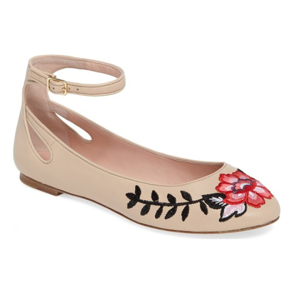 KATE SPADE NEW YORK waren embroidered flat - Add a playful pep to every step you take in this leather...
