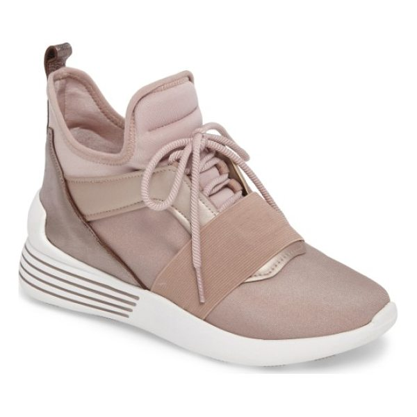 KENDALL + KYLIE braydin sneaker - This futuristic sneaker elevates your style with an elastic...