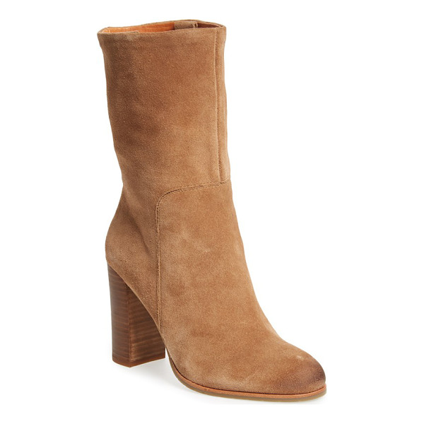 KENNETH COLE NEW YORK 'jenni' round toe boot - Burnished at the toe for a slightly lived-in look, this
