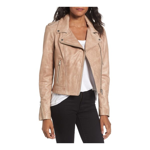 LAMARQUE donna lambskin leather moto jacket - Channel-quilted stitching at the epaulets and cuff gussets...