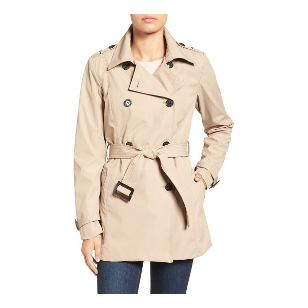 LARRY LEVINE water resistant trench coat - Sleek water-resistant construction modernizes a...