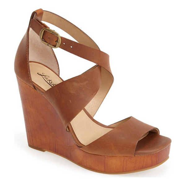 LUCKY BRAND lyndell leather wedge - A substantial woodgrain platform and wedge define a smooth...
