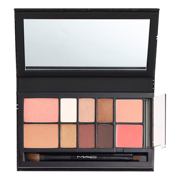 MAC Look in a box - MAC Look in a Box All About Beige kit is a thoughtfully...