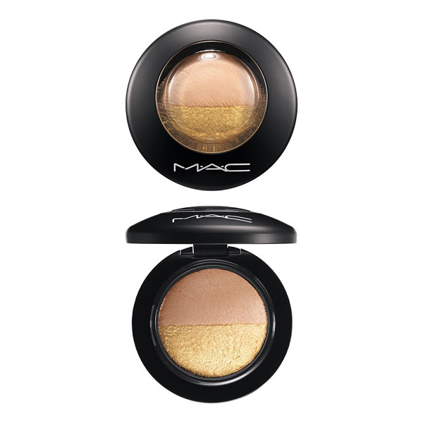 MAC Mineralize eyeshadow duo - This duo features two coordinating eyeshadow colors baked...