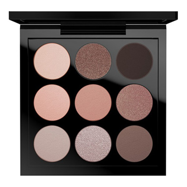 MAC Nificent me eyeshadow palette - A well-edited pocket-sized eyeshadow palette features a...